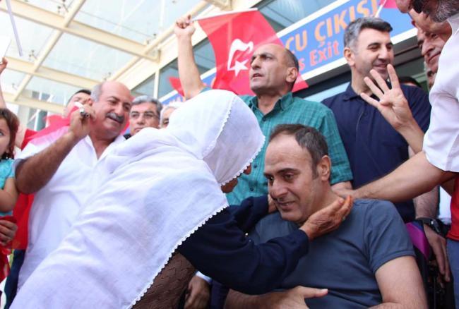 Mardinli gazi 13 ay sonra evine döndü