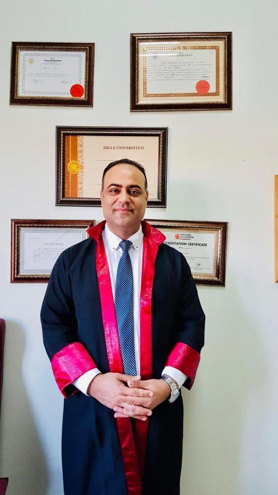 Mardinli Ertaş, Profesörlük cübbesini giydi