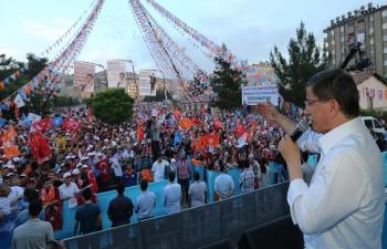 Başbakan Davutoğlu Mardin'de