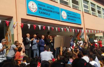 215 bin öğrenci ders başı yaptı