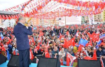 Bakan Soylu, Kızıltepe'de halka hitap etti
