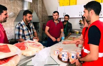 Kızılay Mardin'de Aşure Dağıttı