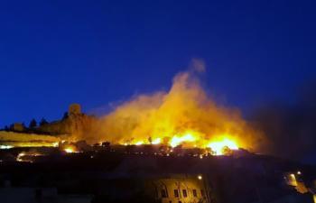 NATO'nun gözetimindeki kalede korkutan yangın!