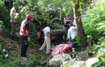Traktör Dereye Devrildi: 7 Ölü, 10 Yaralı