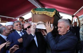 Vali Yaman'ın kayın babası dualarla defnedildi