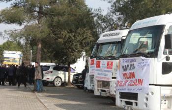 Mardin'den 12 tır yardım yola çıktı