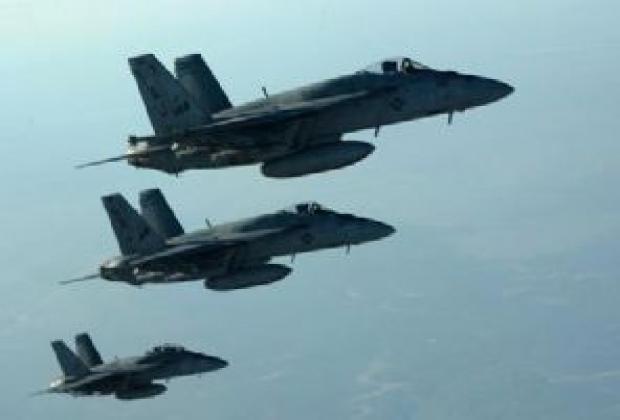 Uçaklar Kobani'nin doğusunu vurdu