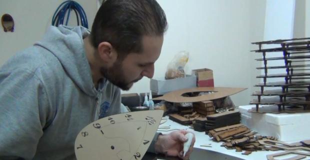 Suriyeli Abdulbasit KOSGEB desteğiyle dükkan işletiyor