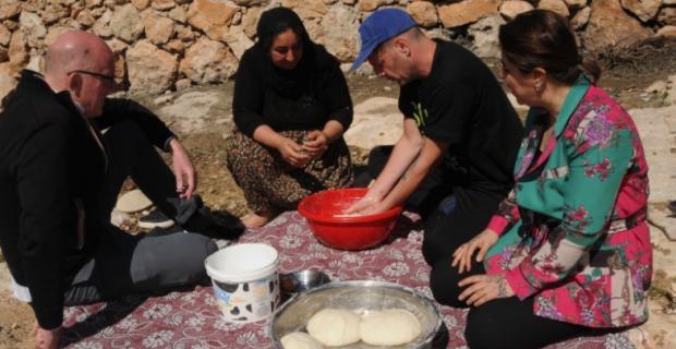 Dünyaca ünlü şefler, Mardin'de tandır ekmeği yaptı