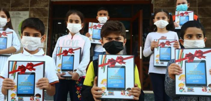 Mardin'de Tabletler dağıtılmaya başlandı