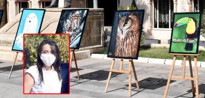 Ressam Dinç'in resimleri tablet kampanyasında desteğe dönüştü