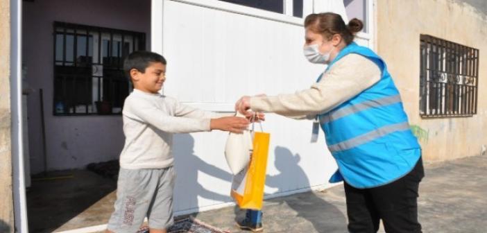Yerli Malı Haftasında çocuklara Mardin bulguru hediye edildi