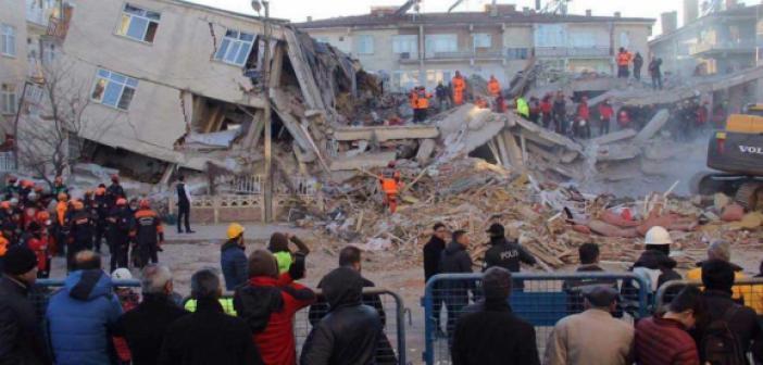 Elazığ depreminin üzerinden bir yıl geçti