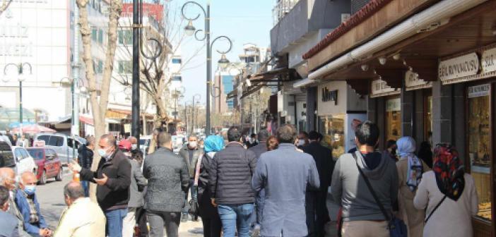 Diyarbakır'da Hafta Sonu Sokağa Çıkma Yasağı Var Mı? Yasak Kalktı mı? Diyarbakır'da Hafta Yasak Var mı?