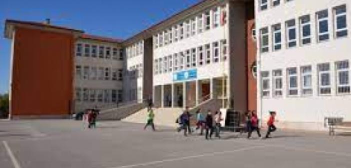 Kürtçe okul ne demek? Kürtçede okul nasıl denir? Kürtçe okula gidiyor musun ne demek??