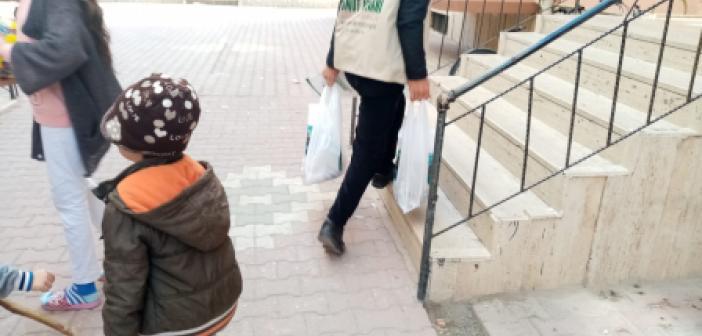 Umut Kervanı Yeşilli'de Gıda Dağıtımı Gerçekleştirdi