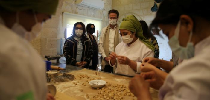 Büyükelçi Landrut'tan 'Topraktan Tabağa' Atölyesine Ziyaret
