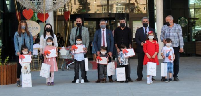 Geleceğin yöneticileri Mardian Mall'da