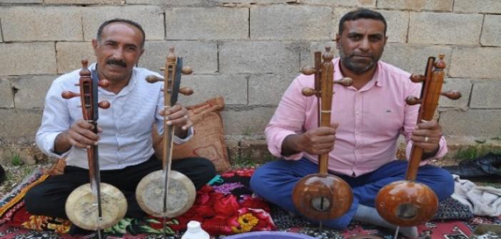 Mardin'de üretilen kemençeler Avrupa'ya ihraç ediliyor