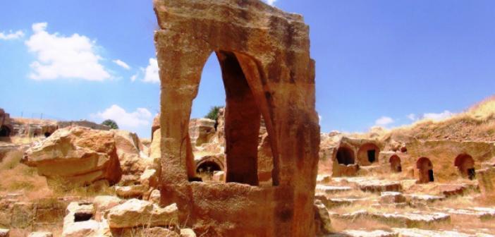 Dara Antik Kenti Nerede? Dara Antik kenti nasıl bir yer? Mezopotamya'nın Efes'i neresi? Dara'de gezilecek yerler? Dara girişi ücretli mi?