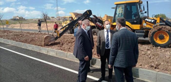 Midyat Belediyesinin yol yenileme çalışmaları sürüyor