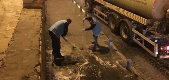 Tarihi Birinci Cadde de yıkama ve dezenfekte çalışmaları sürüyor