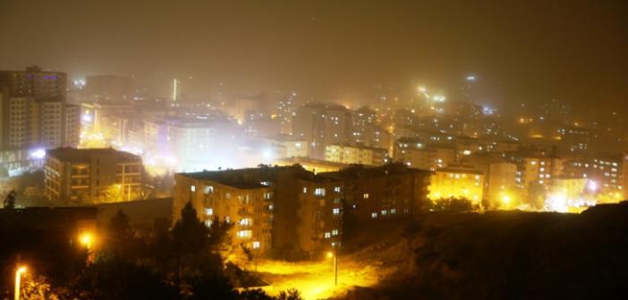 Mardin'de toz fırtınası hayatı olumsuz etkiledi