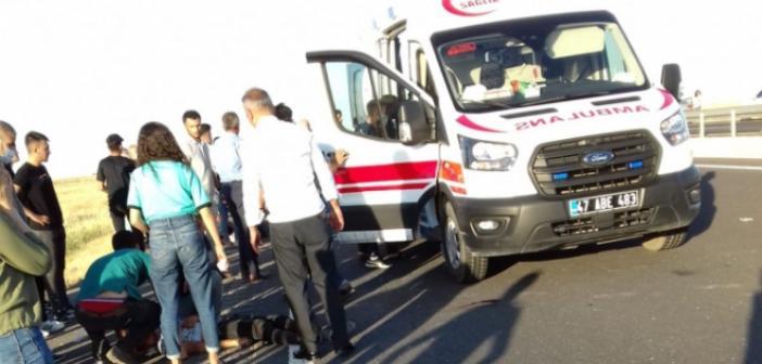 Motosiklet ile otomobillerin karıştığı kazada 3 kişi yaralandı