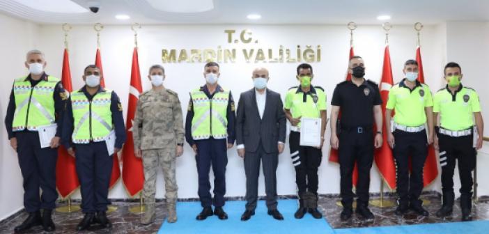 Vali Demirtaş, Başarılı Trafik Görevlilerini Ödüllendirdi
