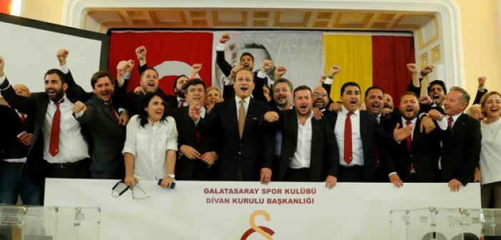 Galatasaray 38. Başkan ve Kurulu Mazbatalarını Alıyorlar - CANLI YAYIN