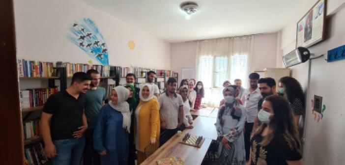 Köy Okuluna 5 bin kitap desteği