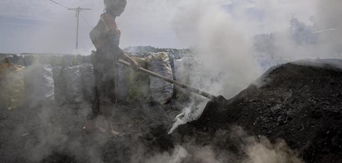 Mardinli İşçilerin kömür mesaisi