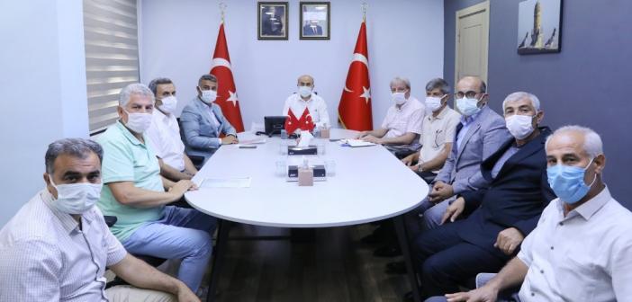 Vali Demirtaş, muhtarlarla görüşmelerini sürdürüyor