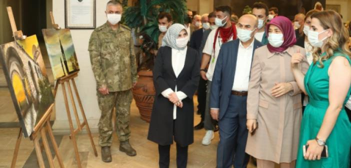 """Vali Demirtaş, """"Şehr-i Gönül"""" Konulu Resim Sergisi Açılışına katıldı"""