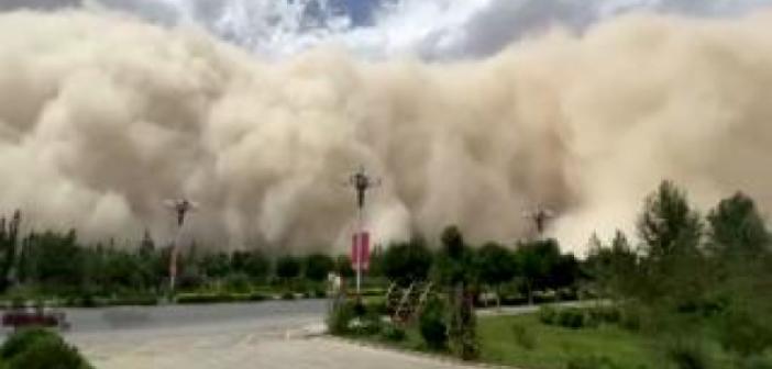 Çin'i kum fırtınası vurdu! Çin'deki kum fırtınası böyle görüntülendi