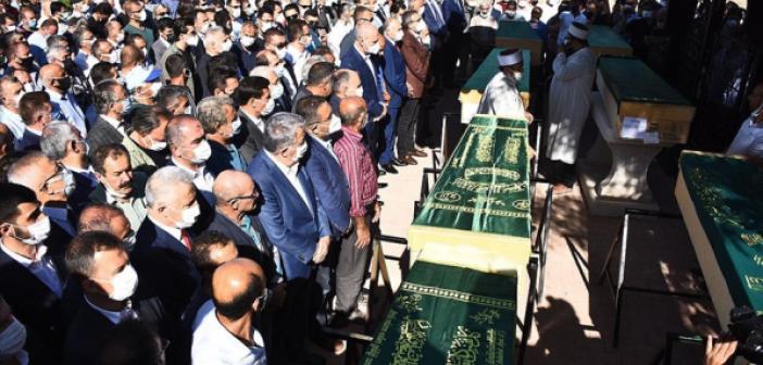 Konya'da canice öldürülen 7 kişinin cenazesi toprağa verildi