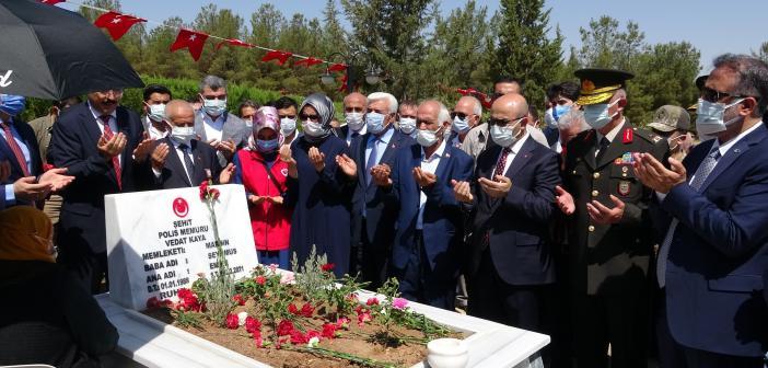 Mardin'de 15 Temmuz Etkinlikleri Şehitlikte Başladı