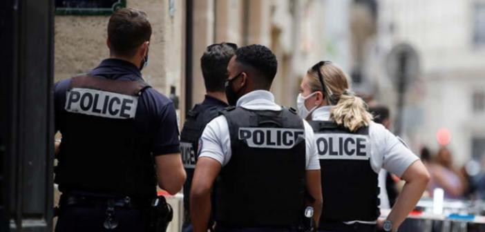 Paris'te silahlı soygun! 2 milyon Euro'luk ziynet eşyalarını alarak kaçtılar