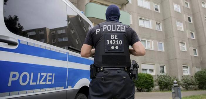 Son dakika | Berlin'de silahlı saldırı! Çok sayıda kişi yaralandı