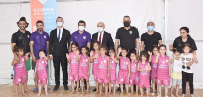 Vali Demirtaş'tan Nusaybin Spor Akademisine ziyaret