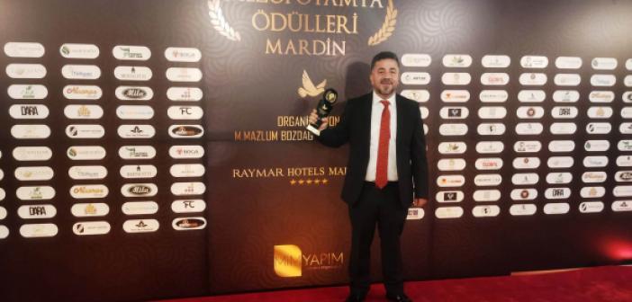 Kadir Üründü'ye Yılın Gazetecisi Ödülü