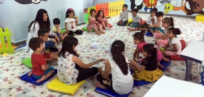 Anneler Eğitimde, Çocuklar Oyun Salonlarında