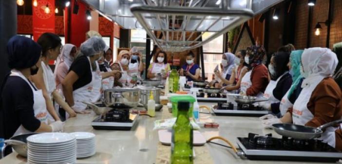 İzmir Mutfak Atölyesi'nde hafta boyunca Mardin yemekleri ikram edilecek