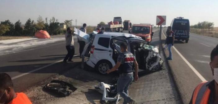 Konya'da tır ile hafif ticari araç çarpıştı: 6 ölü, 2 yaralı