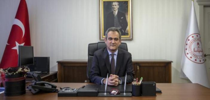 Yeni Milli Eğitim Bakanı Prof. Dr. Mahmut Özer Kimdir? Prof. Dr. Mahmut Özer aslen nerelidir? Kaç yaşındadır?