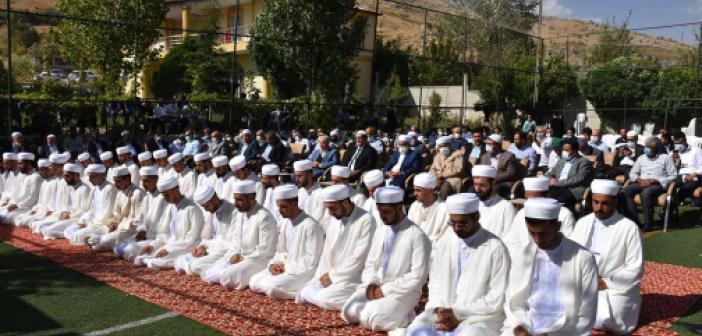 Bitlis Geylani Medresesi'nde ilimlerini tamamlayan 41 âlime icazetleri verildi