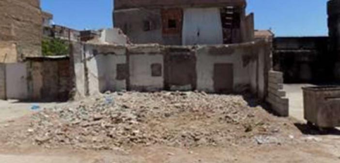 Diyarbakır'daki metruk yapılar belediye tarafından yıkılıyor
