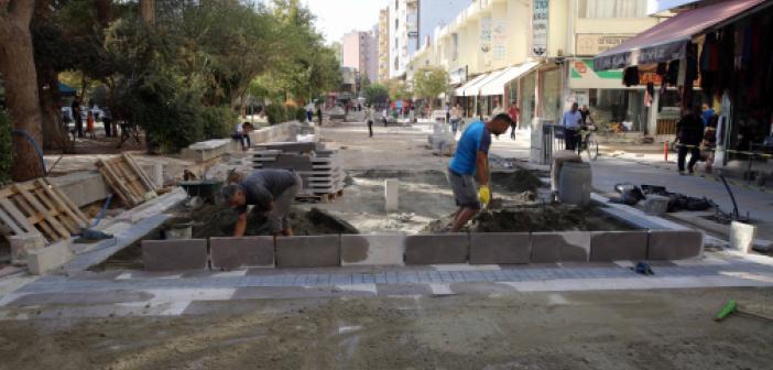 Kızıltepe Cumhuriyet Meydanı Yenileme Çalışmaları Devam Ediyor