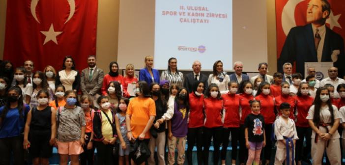"""Mardin'de """"Ulusal Spor ve Kadın Zirvesi"""" düzenlendi"""