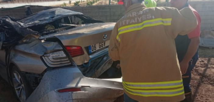 Mardin'de takla atan otomobil alev aldı!